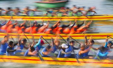 CH10359AW Dragon boat race, Shau Kei Wan, Hong Kong Island, Hong Kong