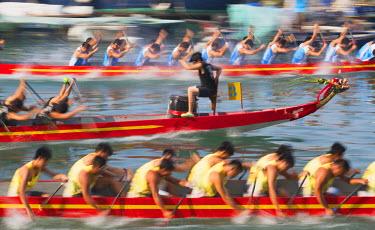 CH10360AW Dragon boat race, Shau Kei Wan, Hong Kong Island, Hong Kong