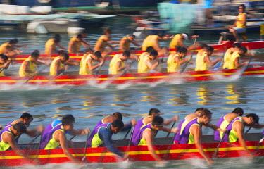CH10361AW Dragon boat race, Shau Kei Wan, Hong Kong Island, Hong Kong