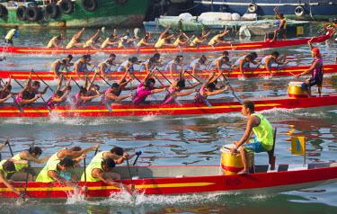CH10362AW Dragon boat race, Shau Kei Wan, Hong Kong Island, Hong Kong