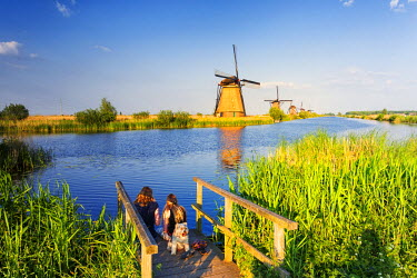 NLD0039AW Netherlands, South Holland, Kinderdijk. Windmills