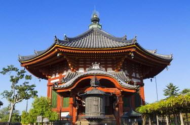 JAP0719AW Pagoda at Kofuku-ji Temple (UNESCO World Heritage Site), Nara, Kansai, Japan