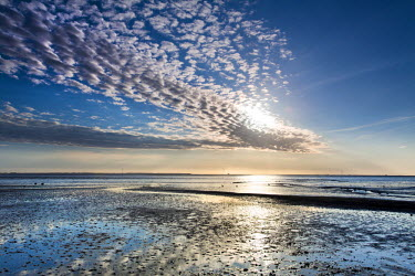 GER8292AW Clouds and wadden sea, Amrum Island, Northern Frisia, Schleswig-Holstein, Germany