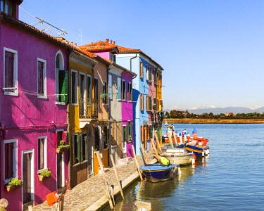ITA3515AW Italy, Veneto, Venice, Burano. Colourful houses near canal