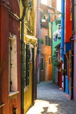 ITA3525AW Italy, Veneto, Venice, Burano. Street view