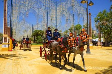 SPA6386AW Horse-drawn carriage, Feria del Caballo in Jerez de la Frontera, Andalusia, Spain