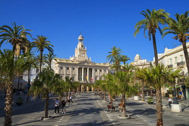 SPA6318AW Plaza San Juan de Dios and city hall, Cadiz, Costa de la Luz, Andalusia, Spain