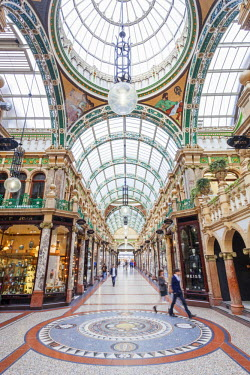 TPX47686 England, Yorkshire, Leeds, County Arcade