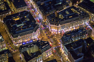 UK10929 Aerial view of Oxford Circus at Christmas, London, England
