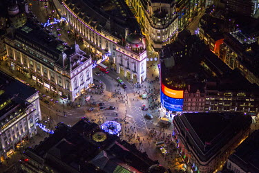 UK10931 Aerial view over Piccadilly Circus, London, England