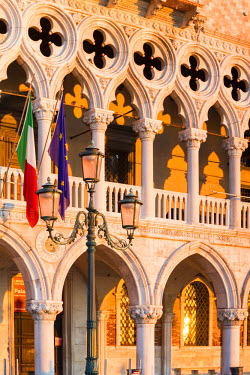 ITA3586AW Italy, Veneto, Venice. First light on Doges palace