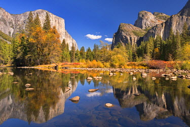 USA9415AW Valley View of El Capitan from the Merced River, Yosemite, California, USA. Autumn (October)