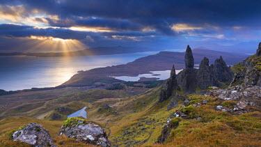 SCO33338AW Old Man of Storr, Isle of Skye, Scotland. Autumn (November)