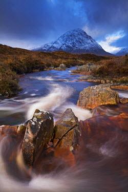 SCO33345AW Highland stream running through Rannoch Moor towards Buachaille Etive Mor mountain, Scotland. Autumn (November)
