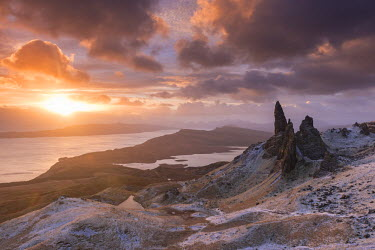 SCO33354AW Spectacular sunrise over the Old Man of Storr, Isle of Skye, Scotland. Winter (December)