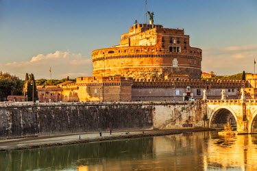 ITA3680 Castel Sant'Angelo, The Mausoleum of Hadrian, and the Ponte St. Angelo at sunset,  Ponte, Rome, Lazio, Italy.