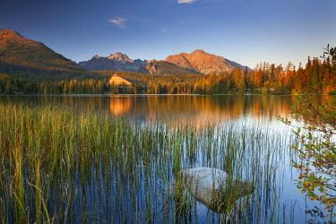 SLV1301AW Strbske Pleso Lake in the Tatra Mountains, Slovakia, Europe. Autumn