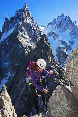FRA8517 Europe, France, Haute Savoie, Rhone Alps, Chamonix Valley, rock climber on Aiguille de l'M