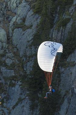 FRA8518 Europe, France, Haute Savoie, Rhone Alps, Chamonix Valley, paraglider