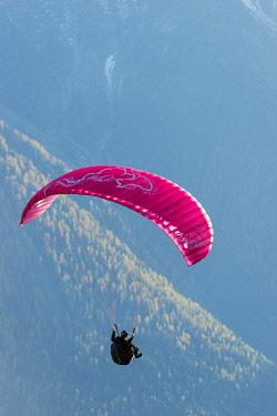 FRA8520 Europe, France, Haute Savoie, Rhone Alps, Chamonix Valley, paraglider