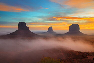 USA9466AW Sunrise view over the Mittens, Monument Valley Navajo Tribal Park, Arizona, USA