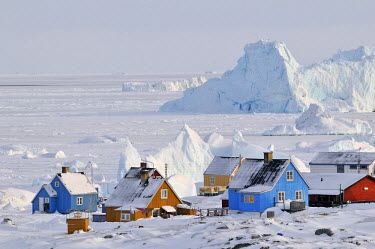 GRN1228AW Colorful row houses icebergs, Qeqertarsuaq, Disco Island, Greenland