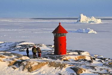 GRN1235AW Lighthouse, Qeqertarsuaq, Disko Island, Greenland
