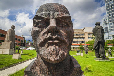 BG01061 Bulgaria, Sofia, Sculpture Park of Socialist art, bust of Lenin, by Nedko Krastev, 1949