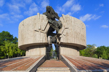 BG02081 Bulgaria, Black Sea Coast, Burgas, Soviet-era Monument to the Resistance
