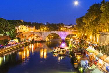 ITA4010AW Italy, Italia. Latium, Lazio. Rome, Roma. Tiber River.