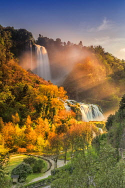 ITA4029AW Italy, Umbria, Terni district, Terni, Marmore Falls. One of the tallest waterfalls in Europe. 165 m (541 feet)