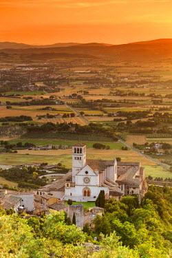 ITA4050AW Italy, Umbria, Perugia district, Assisi, Basilica of San Francesco.