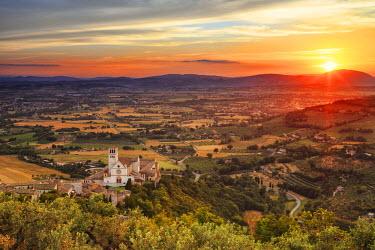 ITA4051AW Italy, Umbria, Perugia district, Assisi, Basilica of San Francesco.