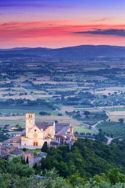 ITA4055AW Italy, Umbria, Perugia district, Assisi, Basilica of San Francesco.