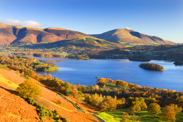 ENG12289AW Derwent Water Skiddaw and Blencathra from the slopes of Catbells, Lake District National Park, Cumbria, England. Autumn