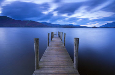 ENG12327AW Wooden jetty on Derwent Water in the Lake District, Cumbria, England. Autumn