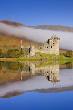 SCO33359AW Ruins of Kilchurn Castle on Loch Awe, Argyll & Bute, Scotland. Autumn