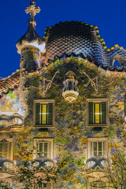SPA6426AW Casa Batllo is a renowned building located in Passeig de Gracia, one of the main streets of Barcelona, Spain. Casa Batllo is one of Antoni Gaud�s masterpieces.