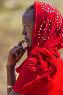 KEN9288 Kenya, Marsabit County, Kalacha.  A young Muslim girl at the annual Kalacha Festival.
