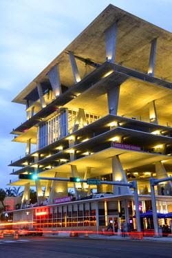 USA9617AW USA, Florida, Dade County, Miami, Miami Beach, 1111 Lincoln Road, parking garage by Herzog & de Meuron