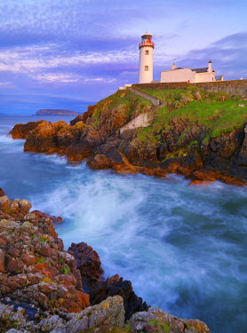 IRL0183AW Ireland, Co.Donegal, Fanad, Fanad lighthouse at dusk