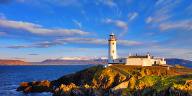 IRL0200AW Ireland, Co.Donegal, Fanad, Fanad lighthouse at dusk