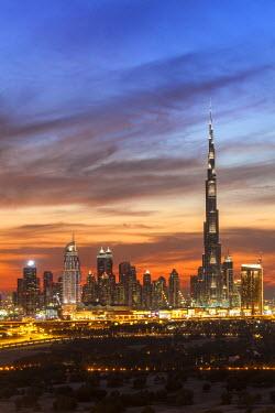 UE01577 United Arab Emirates, Dubai, elevated view of the new Dubai skyline, the Burj Khalifa, modern architecture and skyscrappers on Sheikh Zayed Road