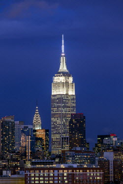 US60367 Manhattan, view of the Empire State Building and Midtown Manhattan across the Hudson River, New York, United States of America