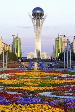 KZ01244 Central Asia, Kazakhstan, Astana, Nurzhol Bulvar - Bayterek Tower