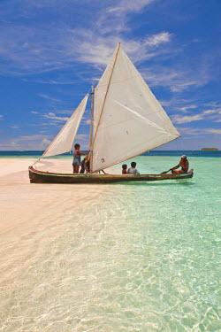 HMS0620646 Panama, San Blas archipelago, Kuna Yala autonomous territory, Los Pelicanos island, ulu, kunas boat fishing