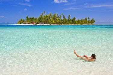 HMS0620673 Panama, San Blas archipelago, Kuna Yala autonomous territory, Achutupu island Los Perros, one of 378 islands