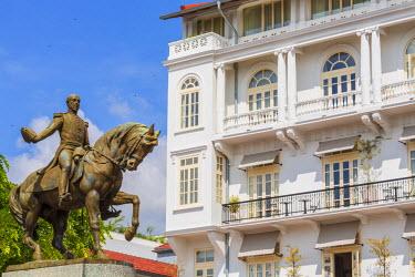 HMS1881008 Panama, Panama City, historic district listed as World Heritage by UNESCO, Casco Viejo district, Barrio San Felipe, Plaza Herrera, equestrian statue of General Tom�s Herrera and American Trade Hotel (...