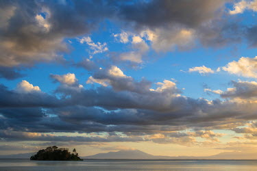 Nicaragua, Rio San Juan department, Solentiname islands, towards the southern end of Lake Nicaragua, sunset from San Fernando island, Costa Rica volcanos in the background