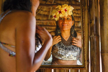 HMS2096952 Panama, Darien province, Darien National Park, listed as World Heritage by UNESCO, Embera indigenous community, portrait of an indigenous Embera woman